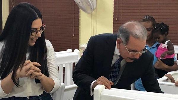 Presidente Danilo Medina visita Hogar de Paso Moisés