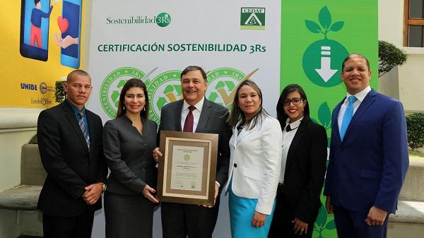 Ministerio Administrativo de la Presidencia gana Certificación Sostenibilidad 3R's
