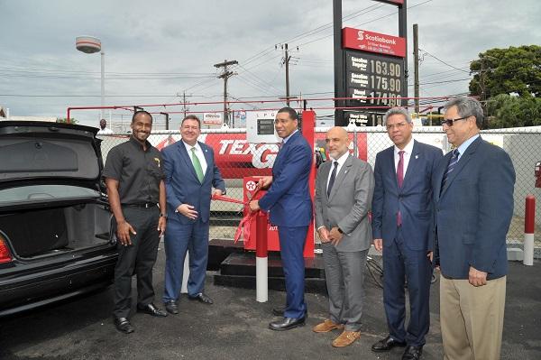 Inauguran Autogas en Jamaica