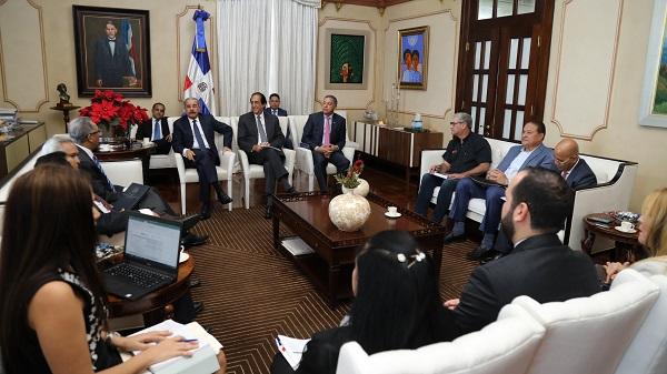 Presidente Danilo Medina recibe informe sobre avances Ciudad Juan Bosch
