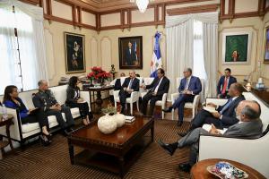 La reunión tuvo lugar en el salón privado del tercer piso del Palacio Nacional.