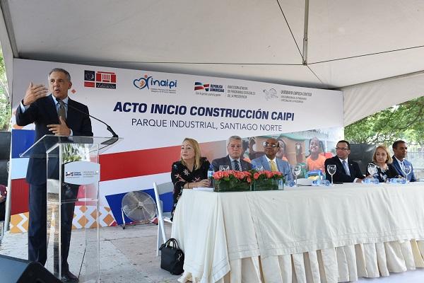 Peralta destaca alianza entre Gobierno y sector zonas francas