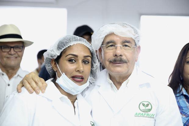 Danilo constata conversión pequeños agricultores en agroempresarios, en Sánchez Ramírez