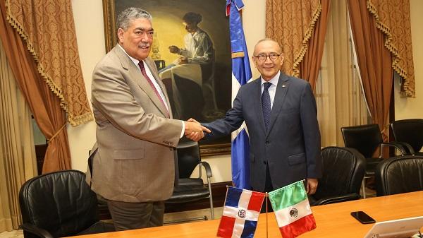 Ministro para Políticas de Integración Regional recibe visita del embajador de México