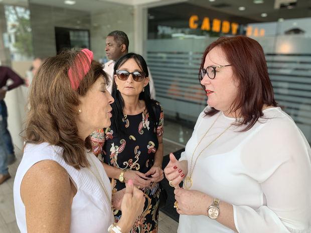 Ministra Janet Camilo comparte con menores sobrevivientes de feminicidios por el Día de Reyes