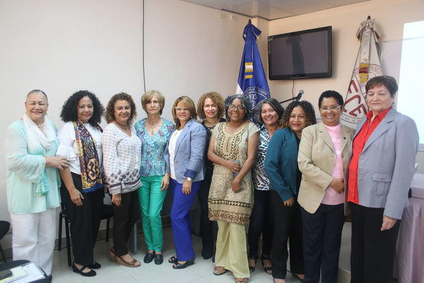 Facultad de Ciencias de la Educación inaugura seminario Mujer y Educación