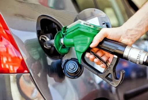 De los Santos pide aumentar beneficios a vendedores de combustibles