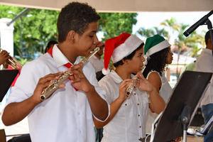 Ministerio de Cultura lleva alegría al Gran Santo Domingo con aguinaldo callejero.