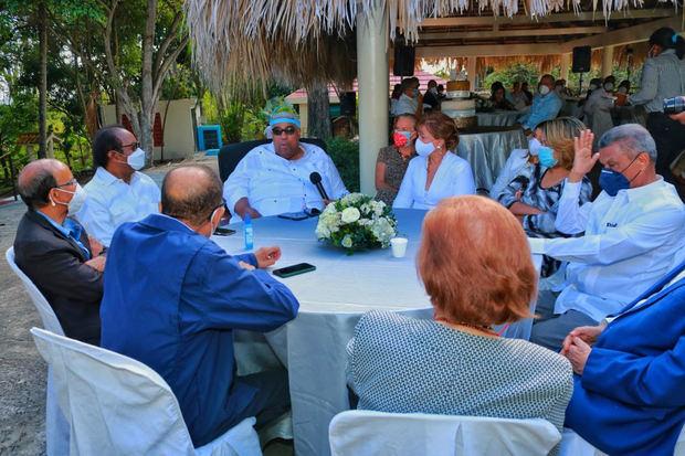 Realizan encuentro desayuno en conmemoración del 84º aniversario del natalicio de José Francisco Peña Gómez