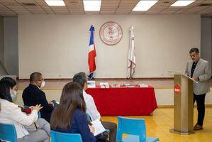 Consejo Nacional para el Cambio Climático dona libros y materiales didácticos a Universidades.