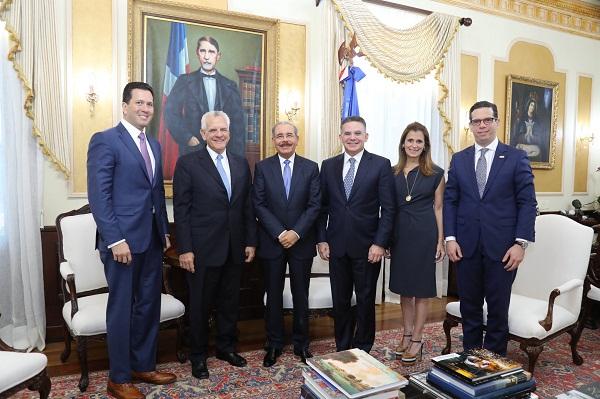 Medina recibe al presidente de Copa y a ejecutivo regional de Nestlé
