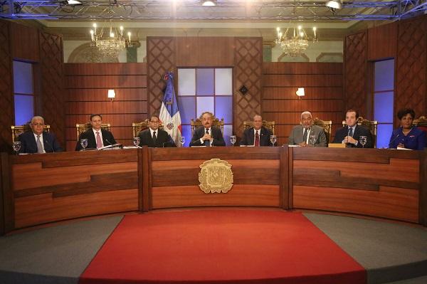 Entrevistan primeros 14 candidatos a jueces del Tribunal