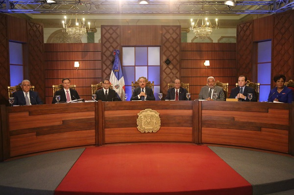 Consejo Nacional Magistratura continúa vistas públicas aspirantes Tribunal Constitucional