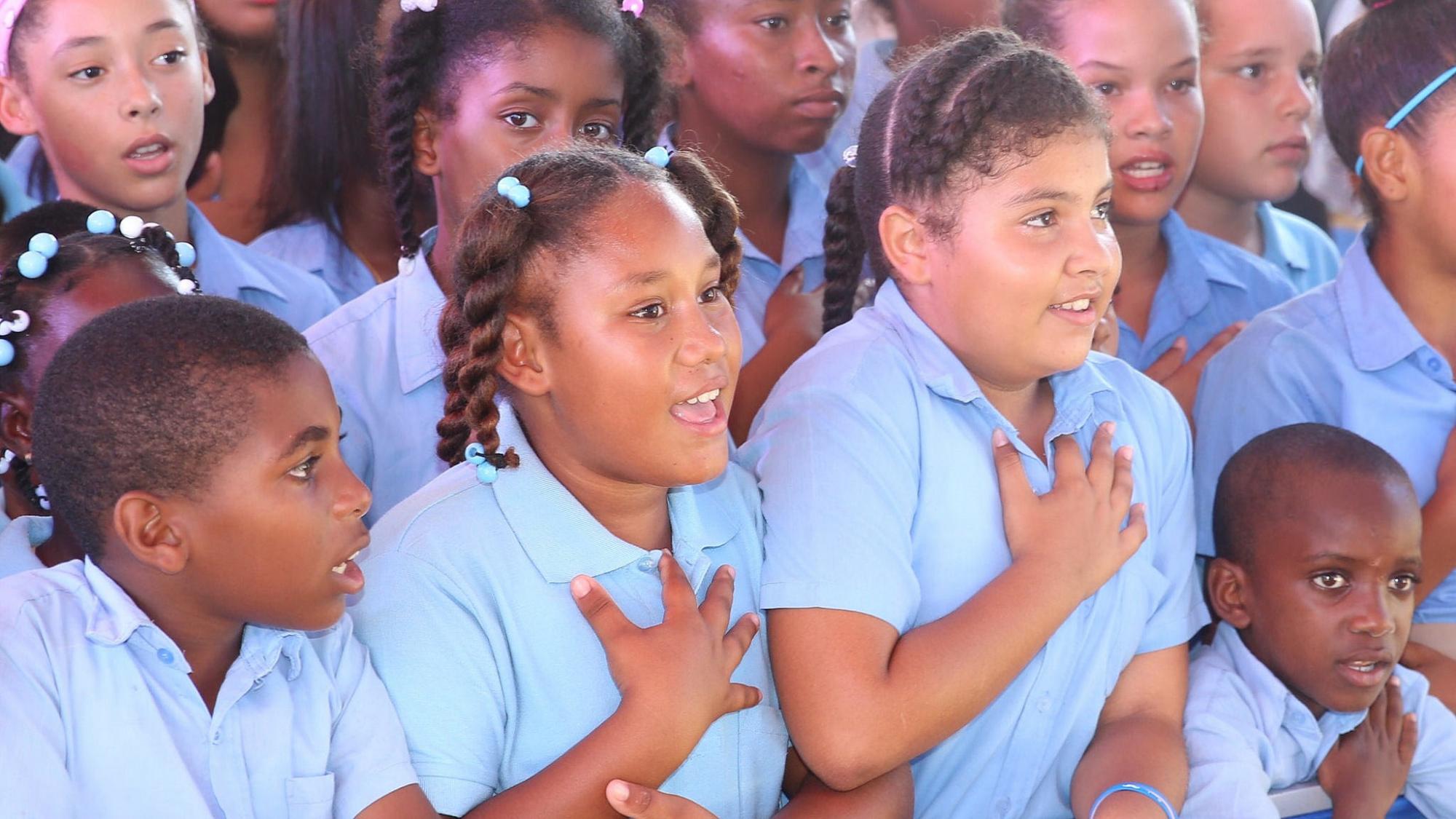Medina inaugura escuela básica en Macao, provincia La Altagracia