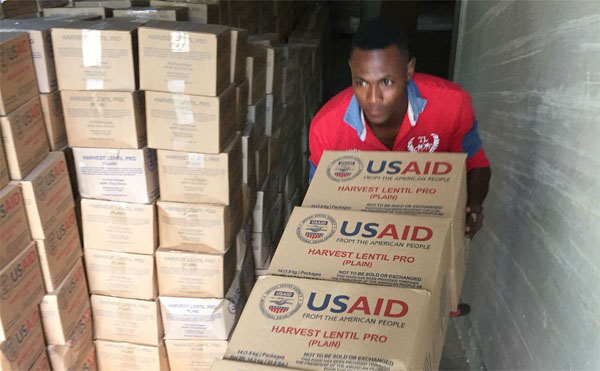 USAID y Batey Relief Alliance donan alimentos en 17 provincias
