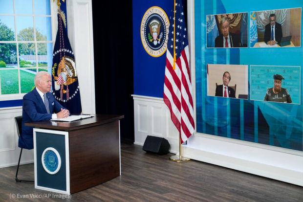 Desde la Casa Blanca, el presidente Biden anunció durante una cumbre virtual convocada al margen de la Asamblea General de la ONU que EE. UU. duplicará las donaciones mundiales de vacunas.