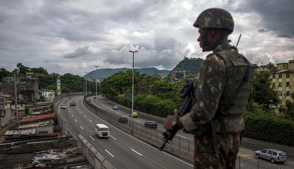 Tensión política se traduce con violentos episodios en las calles en Brasil