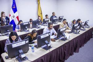 La prueba parcial se realizó en 28 municipios del país y participaron en ella 1,200 personas trabajando en los colegios electorales.