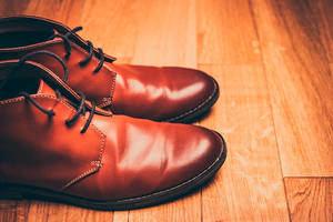 Zapatos en cuero.