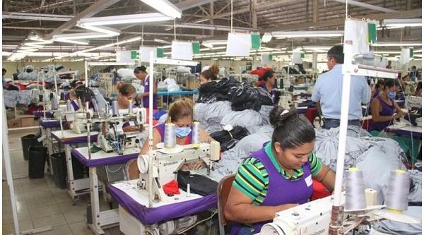 Sindicalistas piden que se aumente en un 30% el salario mínimo