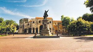 Parque Colón en la Zona Colonial.