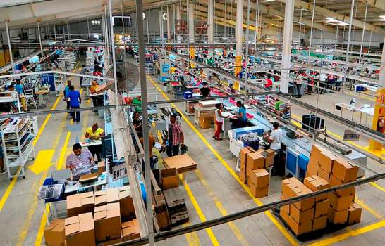 El Gobierno anuncia cinco ejes para 'relanzar' el sector zonas francas.