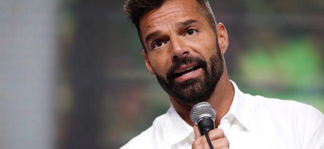 El cantante Ricky Martin engalana este martes la portada más reciente de la revista Out Magazine, dedicada a la comunidad LGBTI y en cuyo contenido incluye una entrevista al artista en la que relata su plan familiar y su experiencia musical durante la pandemia del Covid -19.